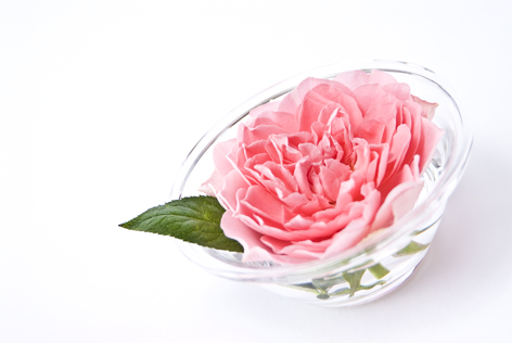 ガラスボウルのバラ