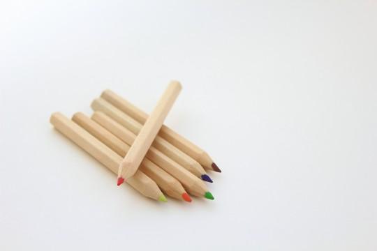色鉛筆の赤だけ特別