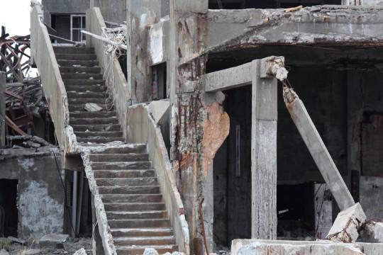 朽ちた建物