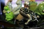 カエルの置物017