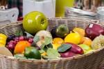 果物の模型の盛り合わせ