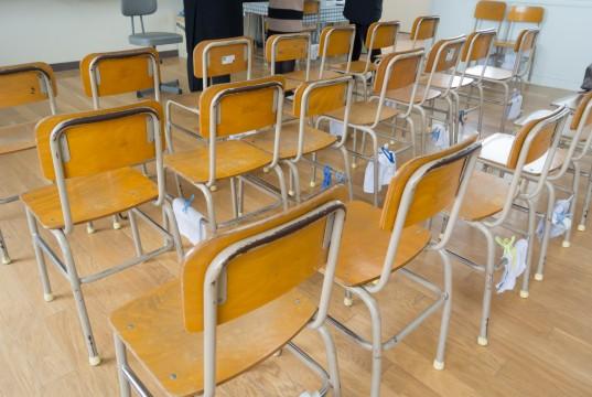 教室の椅子