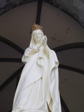 天主堂のマリア像