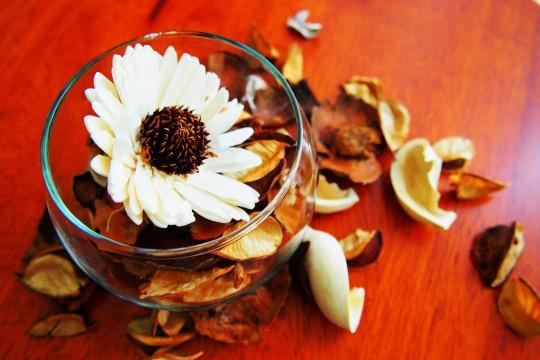 白い花のポプリ