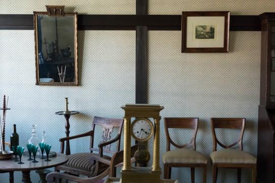 古い洋館の一部屋