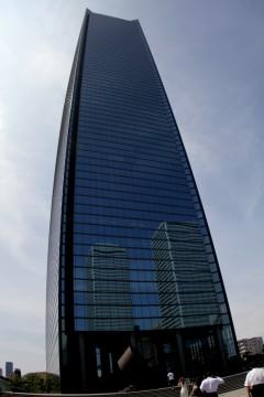 高層オフィスビル