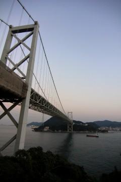 夕暮れの関門橋