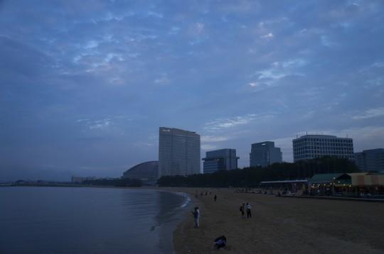 夕暮れ時の百道浜