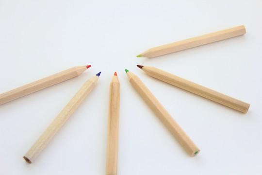 色鉛筆の半円