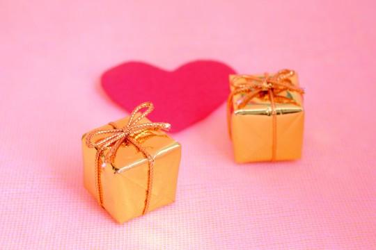 プレゼントとハート