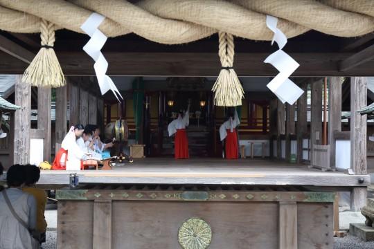 神社の神殿で行われていた儀式