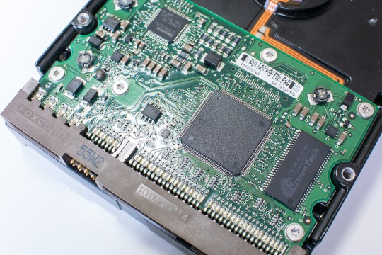 ハードディスクの基盤