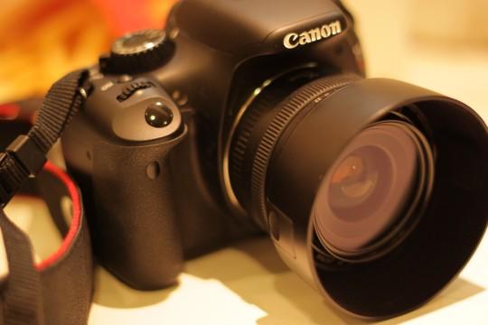 デジタル一眼レフカメラy