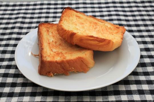 トーストしたパン