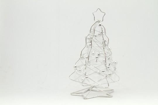 銀のクリスマスツリー