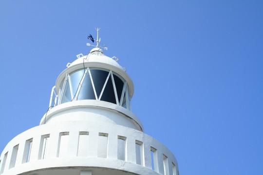 白い灯台3