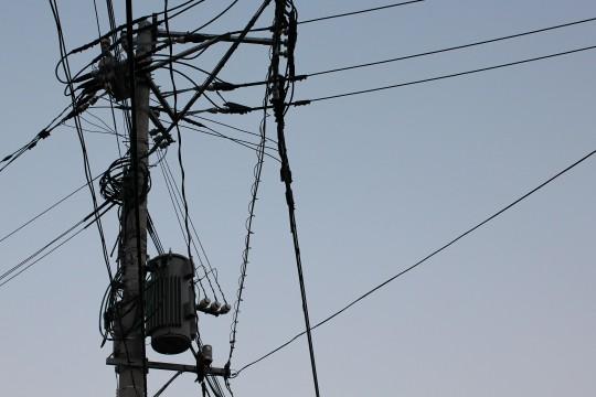 電信柱と電線1