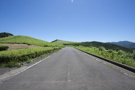 川内峠のまっすぐな道