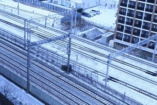 雪が積もった線路