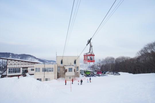 雪山のロープウェイ