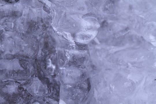 凍った岩肌3