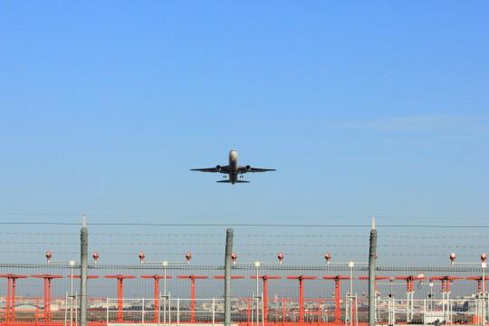 離陸直後の飛行機