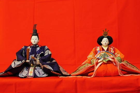 二人飾りの雛人形