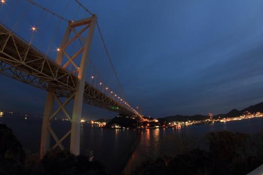 夜の関門橋
