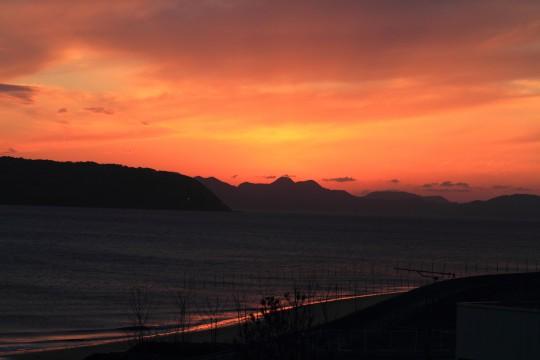 夕焼け空と海