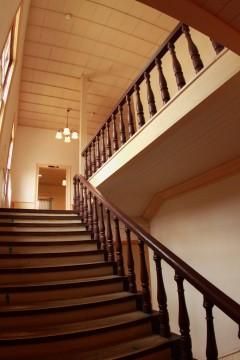 レトロな洋館の階段