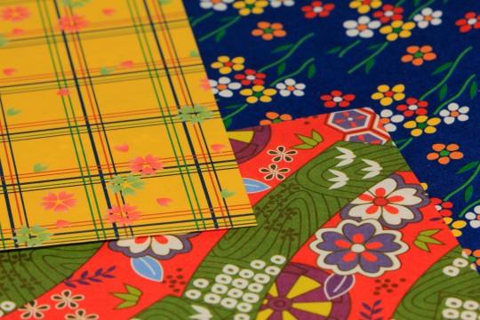 色々な和風の柄をした折り紙