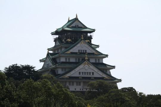 晴れた日の大阪城