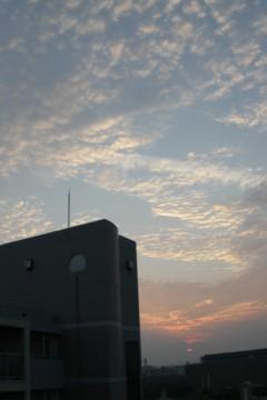 秋の夕暮れの雲