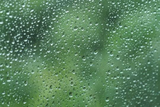 窓についた水滴