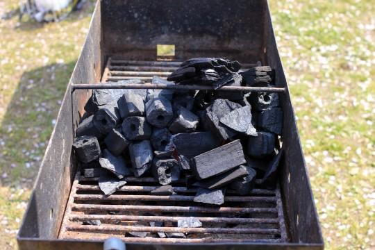 バーベキューの炭