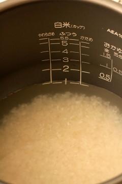 炊飯器とお米