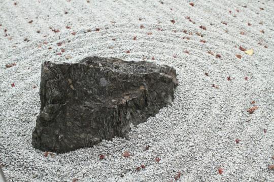 日本庭園の庭石