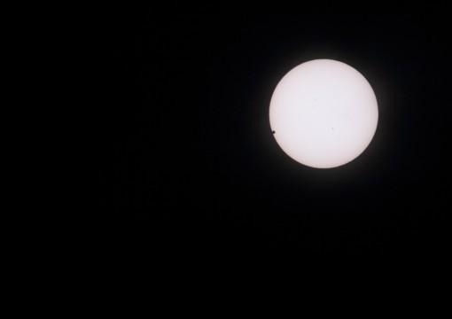 金星の太陽面通過1