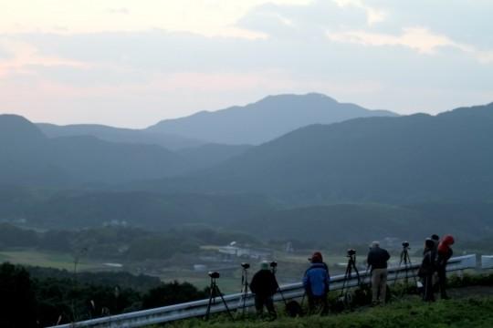 日の出を待つカメラマン