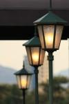 明かりの灯った街灯