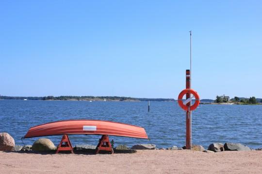 救命ボートと浮き輪