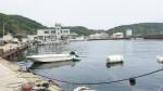 穏やかな漁港の風景