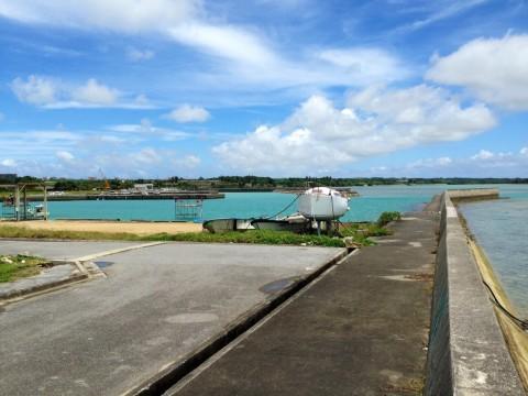 南の島の漁港