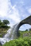 放水中の通潤橋