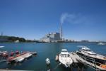 松浦の火力発電所と船