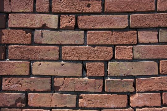 レンガの壁-2