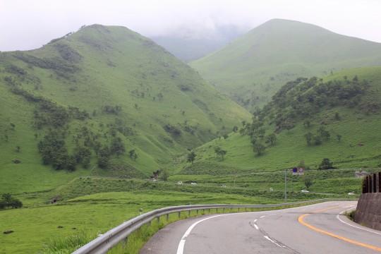 狭霧台へと続く山道