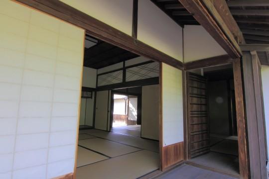 日本家屋の室内