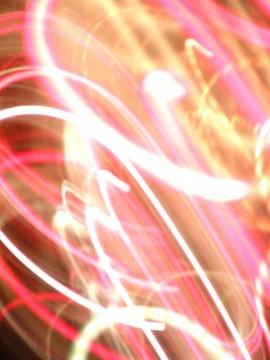 色とりどりの光の環