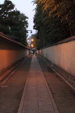 お寺へと続く道